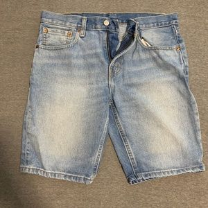 Levis Light Wash Jean Shorts Size 31 Waist